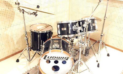 小郡市津古の音楽スタジオ 2KOスタジオの機材紹介